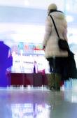 Shopping i rörelse — Stockfoto