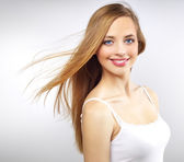 Pretty girl with long hair — Stockfoto