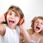 schreien Kinder mit Kopfhörer — Stockfoto