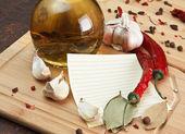料理レシピとスパイスのための空白のシート — ストック写真