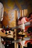 Oude viool en andere retro items — Stockfoto