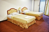 Two beds in the interior of the hotel — Stock Photo