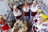 Women dressed up in national ukrainian costumes — Stok fotoğraf