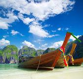 Beach, longtail boats, — Stock Photo
