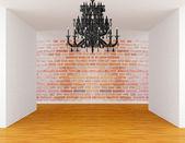 Prázdná místnost s černým lustr — ストック写真