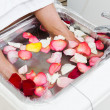 Bath with rose petals — Stock Photo