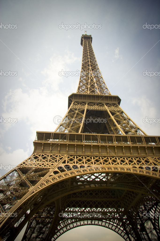 Eiffel Tower, Paris, France — Stock Photo #9503716