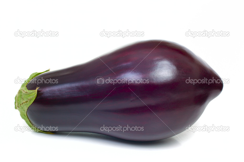 Ripe aubergine isolated on white background — Stock Photo #10637886