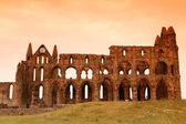 Whitby Abbey castle, ruined Benedictine abbey sited on Whitby's — Stock Photo
