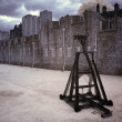 Battle catapult in The Tower of London, medieval castle and pris - Stock Photo