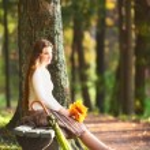 Girl on Bench — Stock Photo