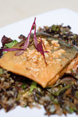 Seared Artctic char with peanut and cashew crumbles — Stock Photo
