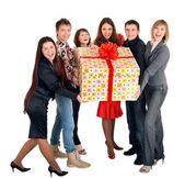 Groep en de doos van de gift. — Stockfoto