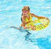 Child in swimming pool. — Stock Photo