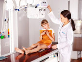Child with doctor radiologist. — Stock Photo