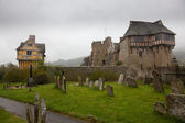 Graveyard by Stokesay castle in Shropshire — Stock Photo
