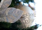 Albero di natale decorato in casa — Foto Stock