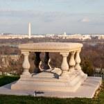 Memorial to Robert E Lee in Arlington Cemetery — Stock Photo #8167634