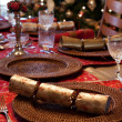 English Christmas table with crackers — Стоковая фотография