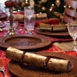 English Christmas table with crackers — Stok fotoğraf