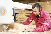 Taglio trasversale legno closeup carpenteria — Foto Stock