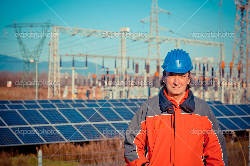 Engineer at Work In a Solar Power Station — Stock Photo #8347305
