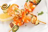 Prawn Skewers with vegetables — Stock Photo
