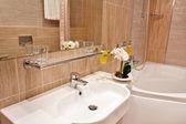 Cuarto de baño en el hotel — Foto de Stock