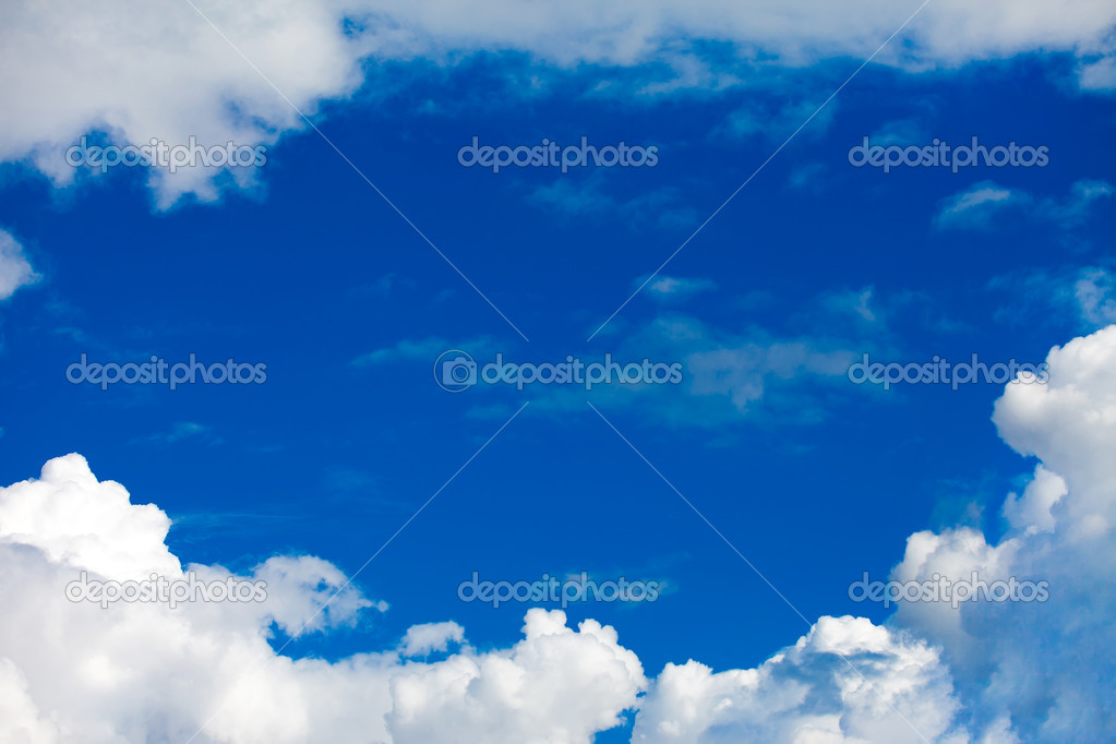 Clouds in the blue sky — Stock Photo #8729668