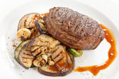 Grilled steak with vegetables — Stock Photo