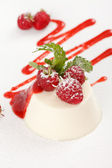 Souffle with raspberry — Stockfoto