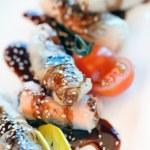 Китайские рулетики с семгой — Стоковое фото