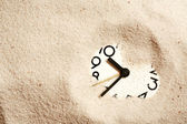 Clock In Sand — Stockfoto