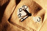 Clock In Sand — Zdjęcie stockowe