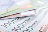 Euro banknotes and credit cards — Stockfoto
