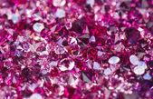 Birçok küçük yakut elmas taşlar, lüks arka plan sığ derinliği — Foto de Stock