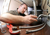 Plumber ta work — Stock Photo