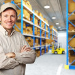 Worker in warehouse — Stockfoto