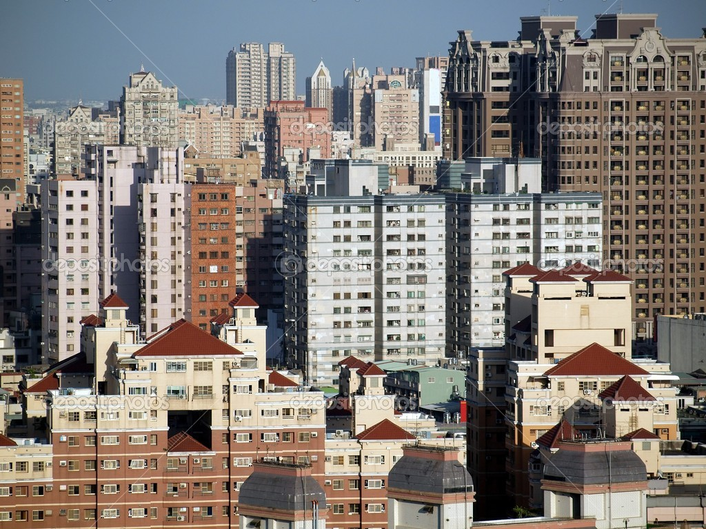 Scenics of a densely populated city with many apartment blocks — Stock Photo #10231368