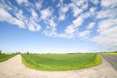 Drogi i chmury. — Zdjęcie stockowe