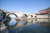 Most ponte sisto v římě. — Stock fotografie