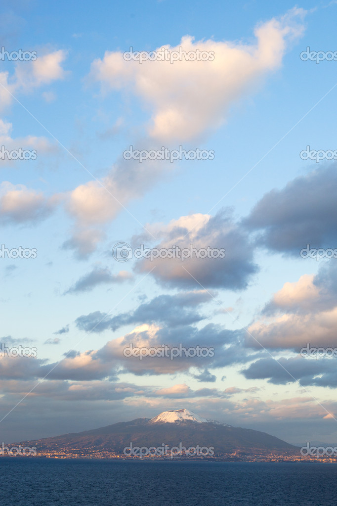 Vesuvio,Tyrrhenian sea and clouds in evening. — Stock Photo #9971789