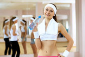 Woman in sport wear doing sport in gym — Stockfoto