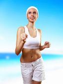 Mladá hezká žena v sportovní oblečení — Stock fotografie