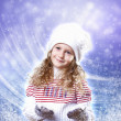 Cuty little girl in winter wear - 图库照片