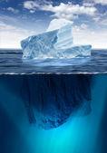 Scioglimento di un iceberg — Foto Stock
