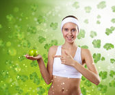 Jeune femme en bonne santé, faire du sport — Photo