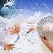 Graphiques et tableaux financiers et commerciaux — Photo