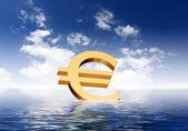 Símbolos de moneda flotando en el mar azul — Foto de Stock