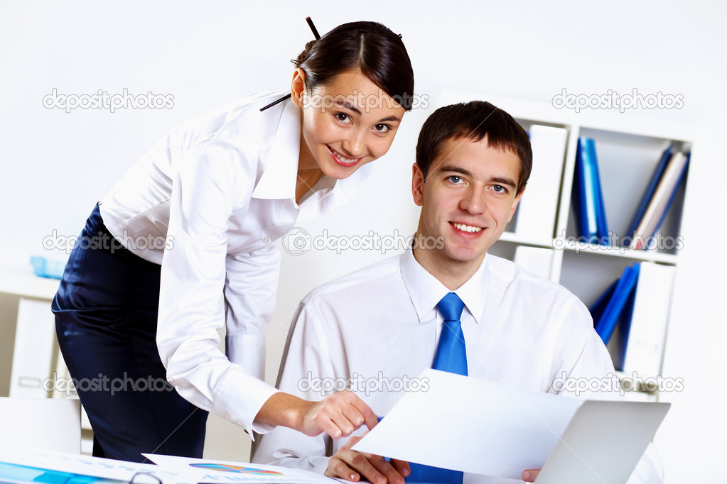 Two young business collegue working together in office — Stock Photo #9558325